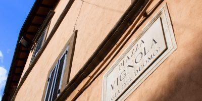 Piazza Vignola Sign